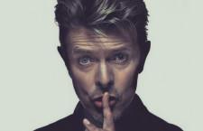 David Bowie festeja 50 años de carrera musical y estrena rolas