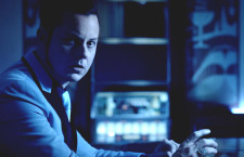 "Jack White se tiñe de azul en ""Would You Fight For My Love"""