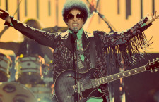 Prince reaparece con dos álbumes