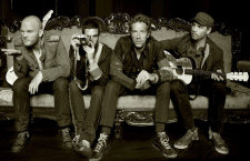 Coldplay adelanta su track para la película de Angelina Jolie